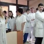 Лекарите ја добија битката, повеќе не се јавни службеници